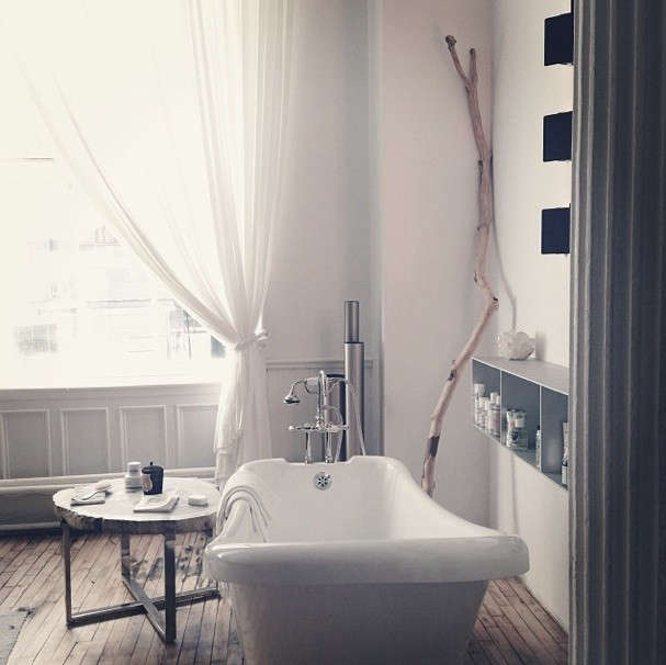 A soho dream loft where everything is for sale remodelista for Bathroom remodeling stores chicago