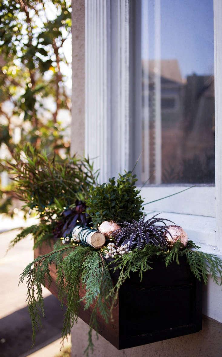 diy christmas window boxes