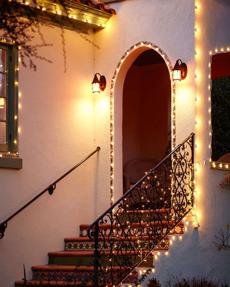 Diy A Starry Night Holiday Light Display Remodelista