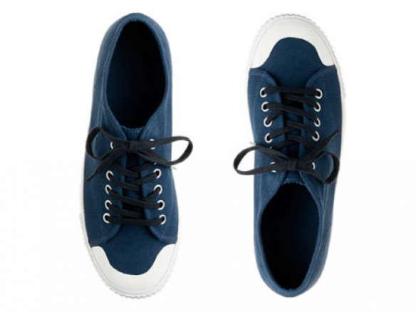 innovative design a02ac 551e6 700 blue-sneakers-jcrew-gardening-584x438.jpg