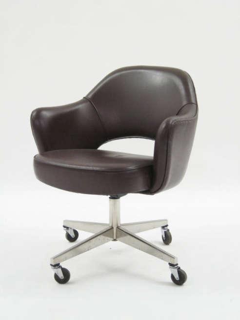 knoll saarinen executive task chair
