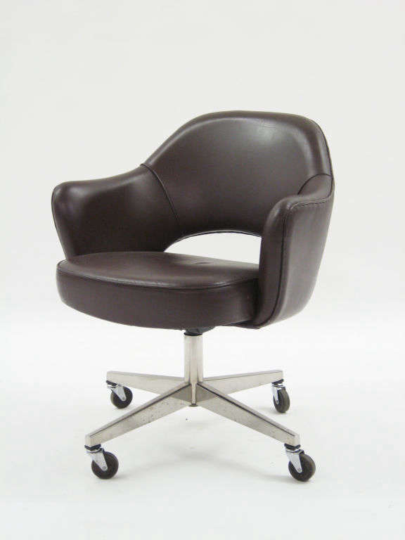 Knoll Saarinen Executive Task Chair