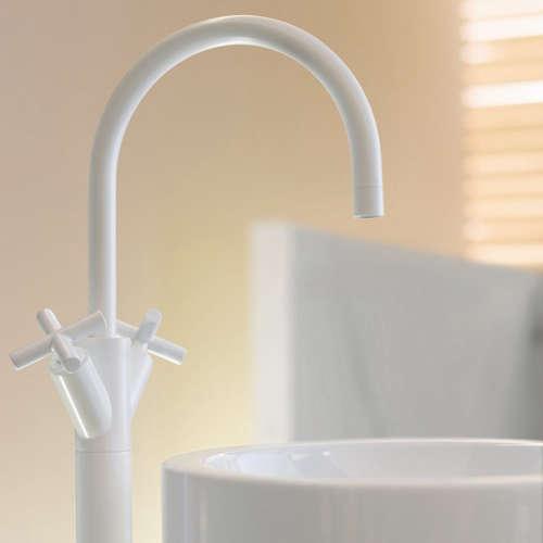Bath: Dornbracht Tara Black and White Edition Faucets - Remodelista