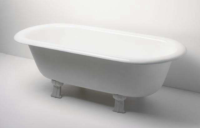 72 Freestanding Tub with Chrome Tub