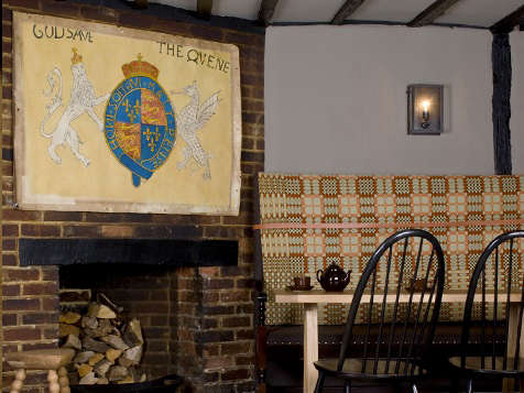 Hotels Amp Lodging The Crown In Amersham England Remodelista