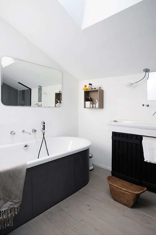 dark water: 10 modern black bathtubs - remodelista