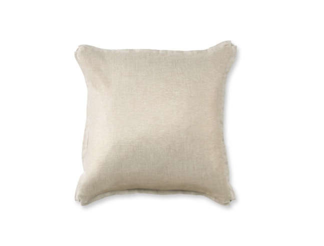 Soft Enough To Wear The Williams Sonoma Home Solid Cashmere Throw Is Made Of 520 Gram Weight And Comes In 14 Shades Seen Here Spring Like