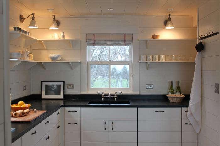 Backsplash Tile Designs With Red Berries For Kitchens