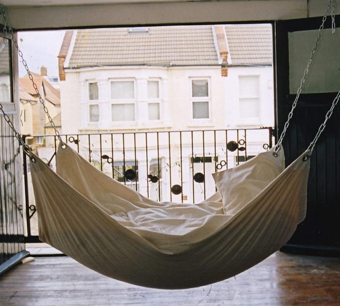 DIY: Instant Summer Hammock