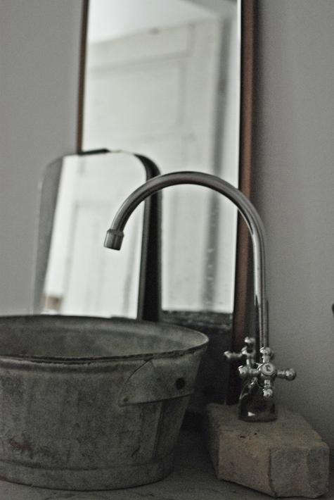 Kajsa Made Her Own Sink By Using A Galvanized Vintage Tub For The Stores Bathroom Recreate This Look With Following Items