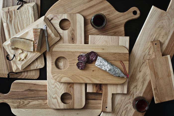 how to make a live edge charcuterie board