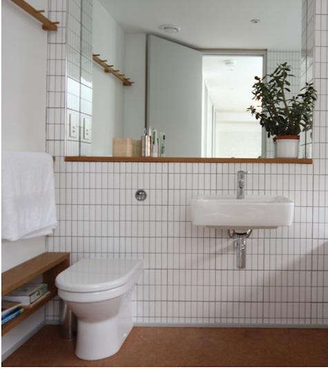 Design Sleuth Shaker Peg Rail In The Bath Remodelista - Remodelista bathroom