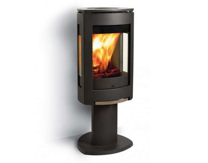 10 Easy Pieces: Freestanding Wood Stoves - Remodelista