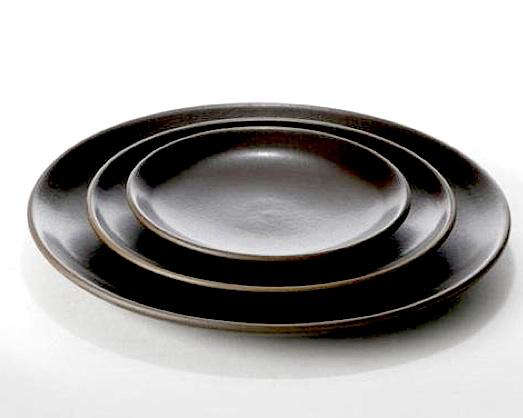 10 Easy Pieces Black Dinner Plates Remodelista  sc 1 st  Fold Down Tv Ceiling Mount : black ceramic plates - pezcame.com