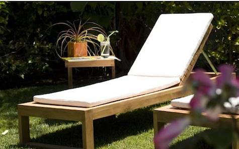 10 easy pieces outdoor chaise longues remodelista for Applaro chaise lounge