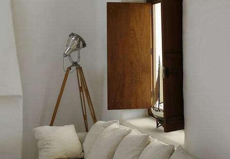 Design Sleuth Photographer S Tripod Lamp Remodelista