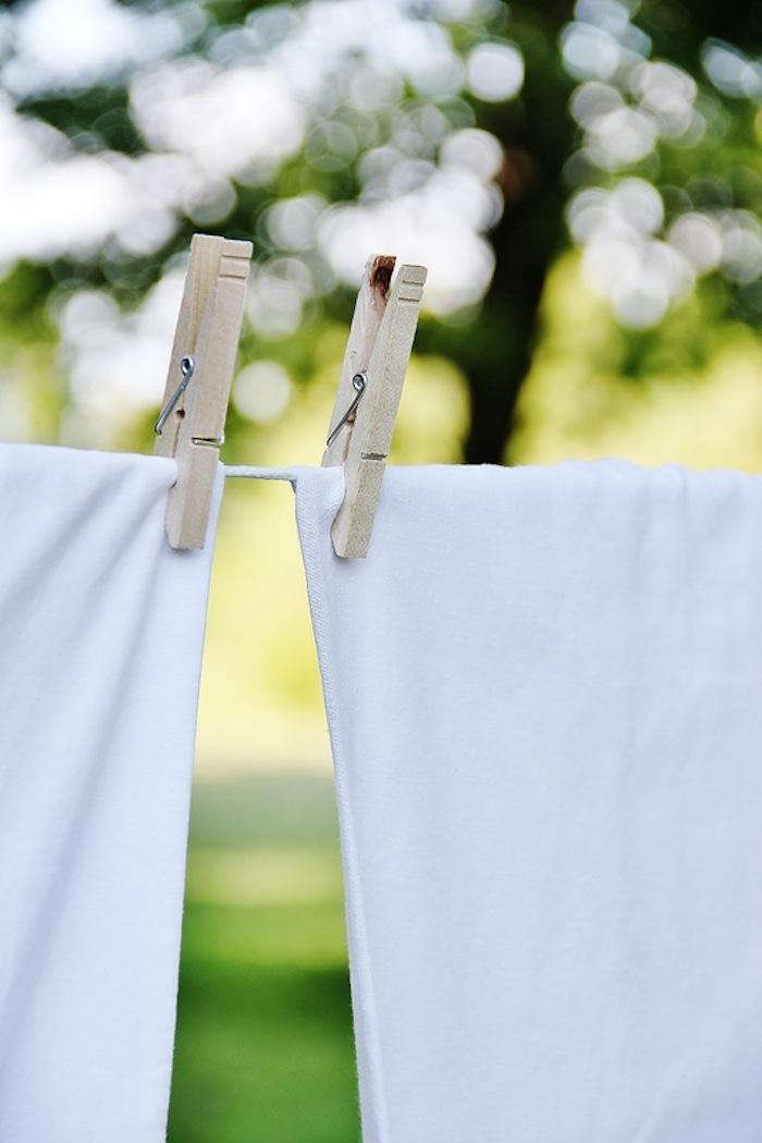 Photograph from7 Life-Changing Reasons to Dry Laundry Outdoors over on Gardenista. See alsoDIY: Shelter Island Clothes Line.