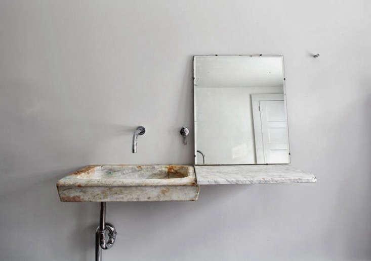 Trend Alert: 8 Sculptural Bathroom Sinks