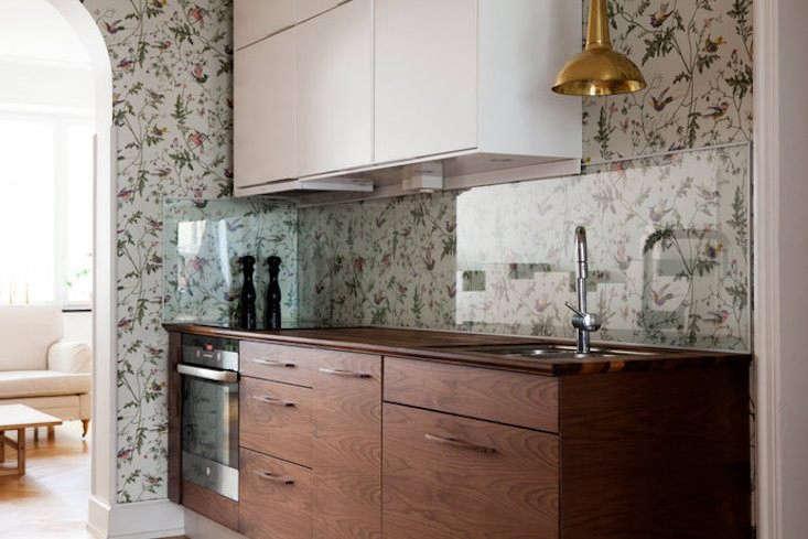 7 favorites: wallpaper in the kitchen - remodelista