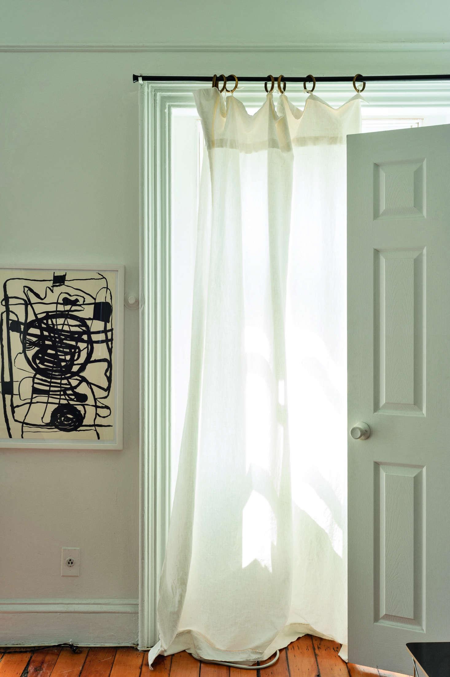 9 Favorites Floor-To-Ceiling Sheer Summer Curtains - Remodelista-7829