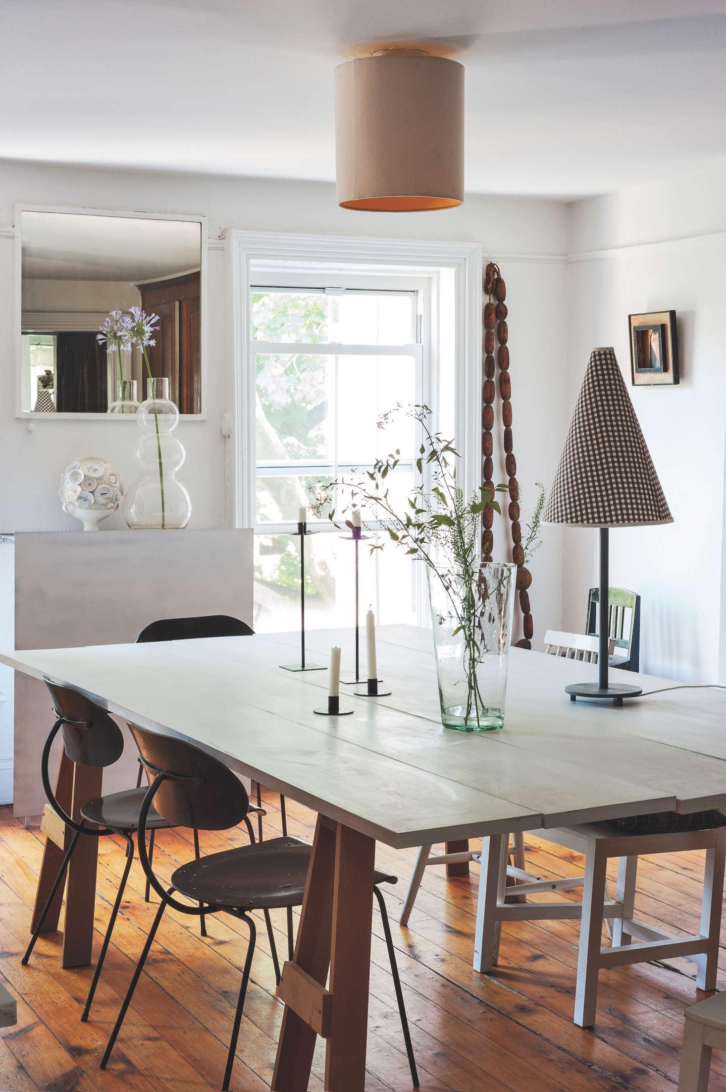 Artist-designer Corinne Gilbert's dining-room | Remodelista