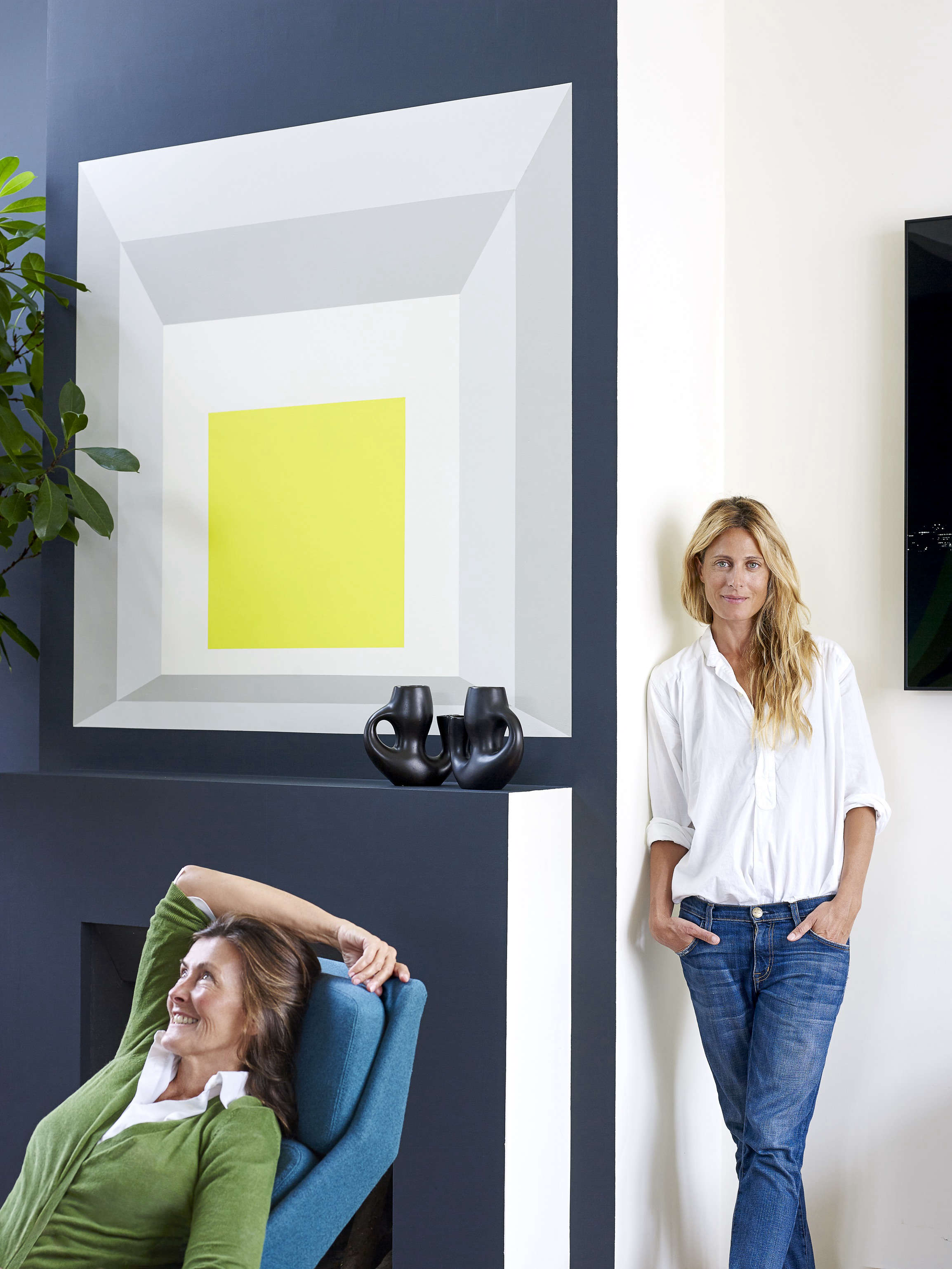 A Model At Home A Paris Loft Inspired By Josef Albers