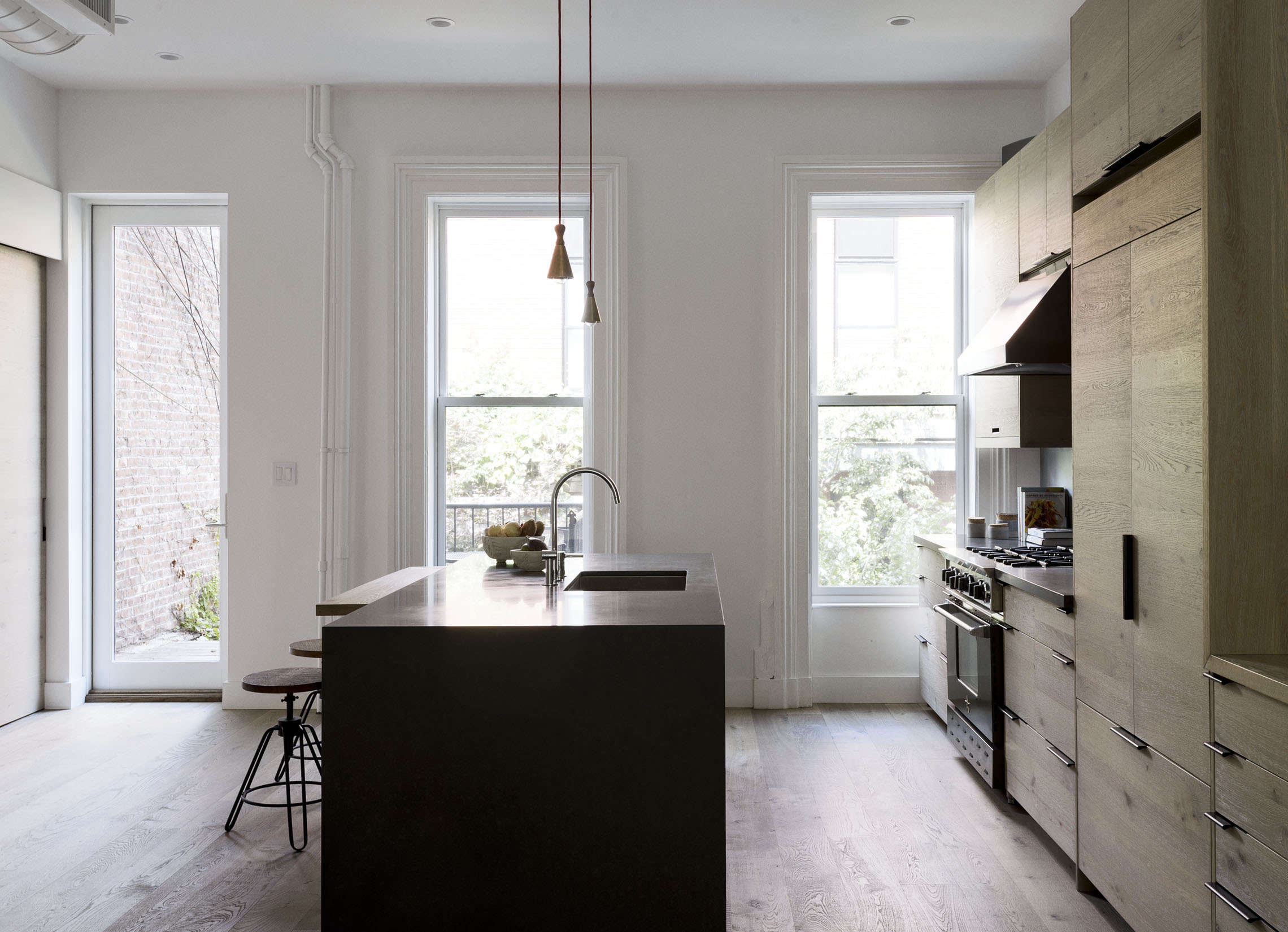Above: A Monolithic Island In Quartzite (bisected With An Oak Breakfast  Counter) Serves As The Hub For Cooking And Gathering. Learn About The  Quartzite In ...