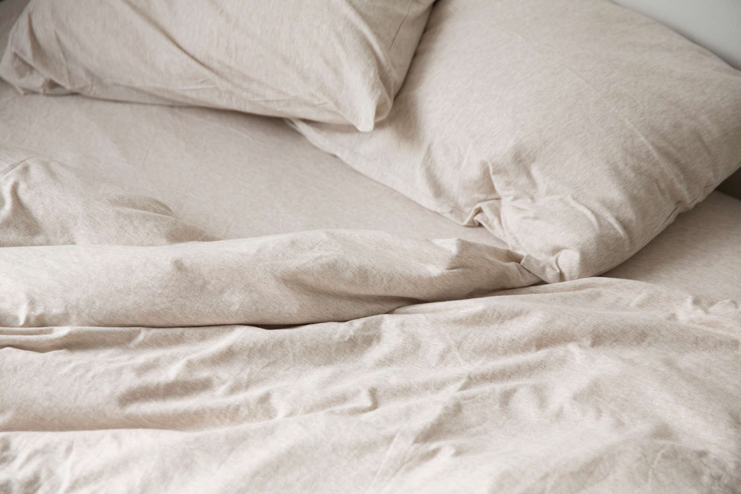 oatmeal-marle-set-dehei-pillowcases-remodelista-2