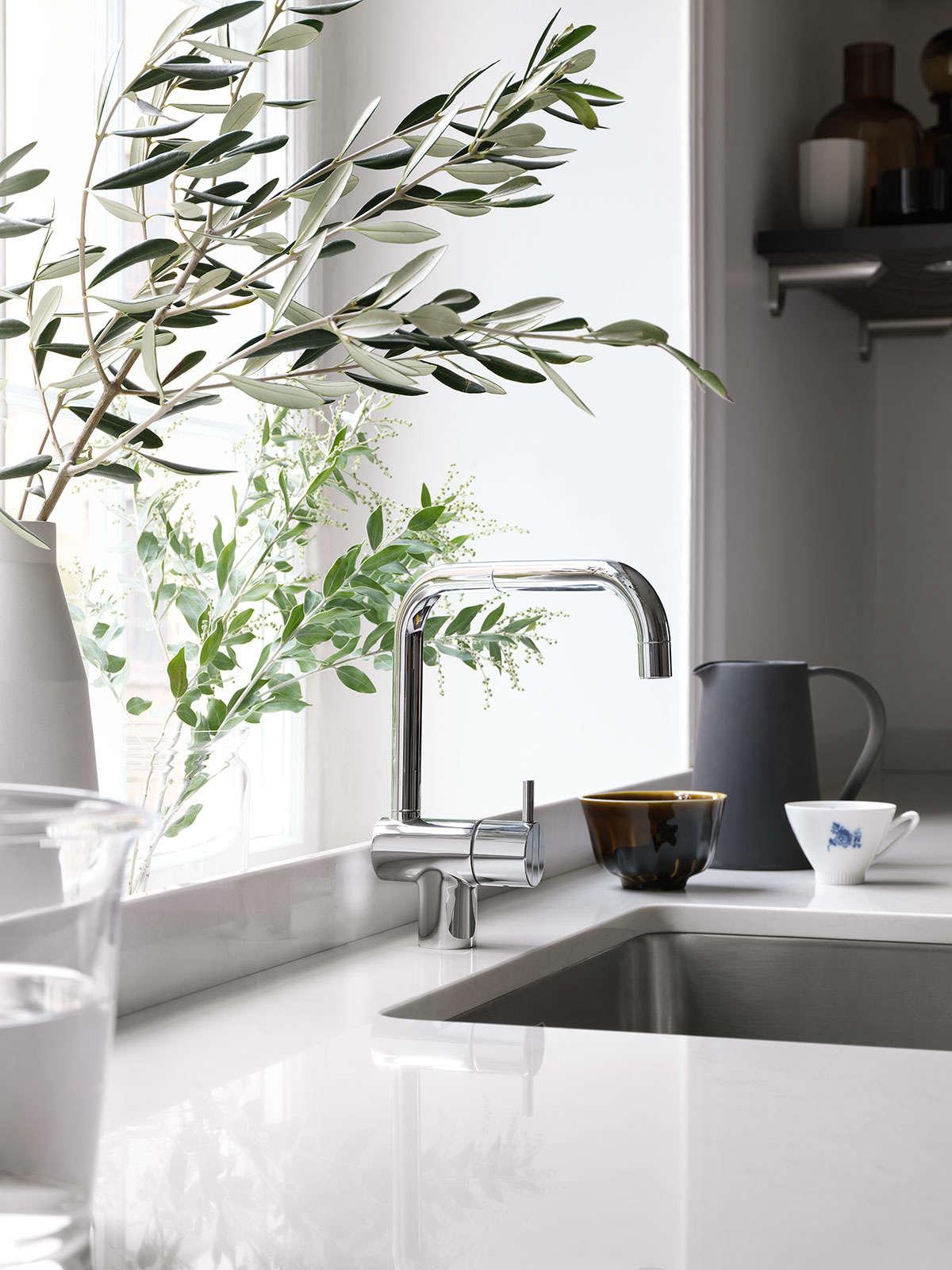 Bistro-kitchen-in-ash-brown-by-Ballingslov-of-Sweden-Remodelista-2