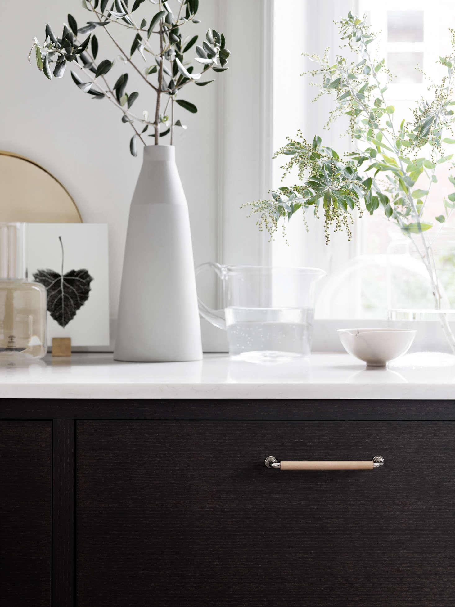 Bistro-kitchen-in-ash-brown-by-Ballingslov-of-Sweden-Remodelista-9