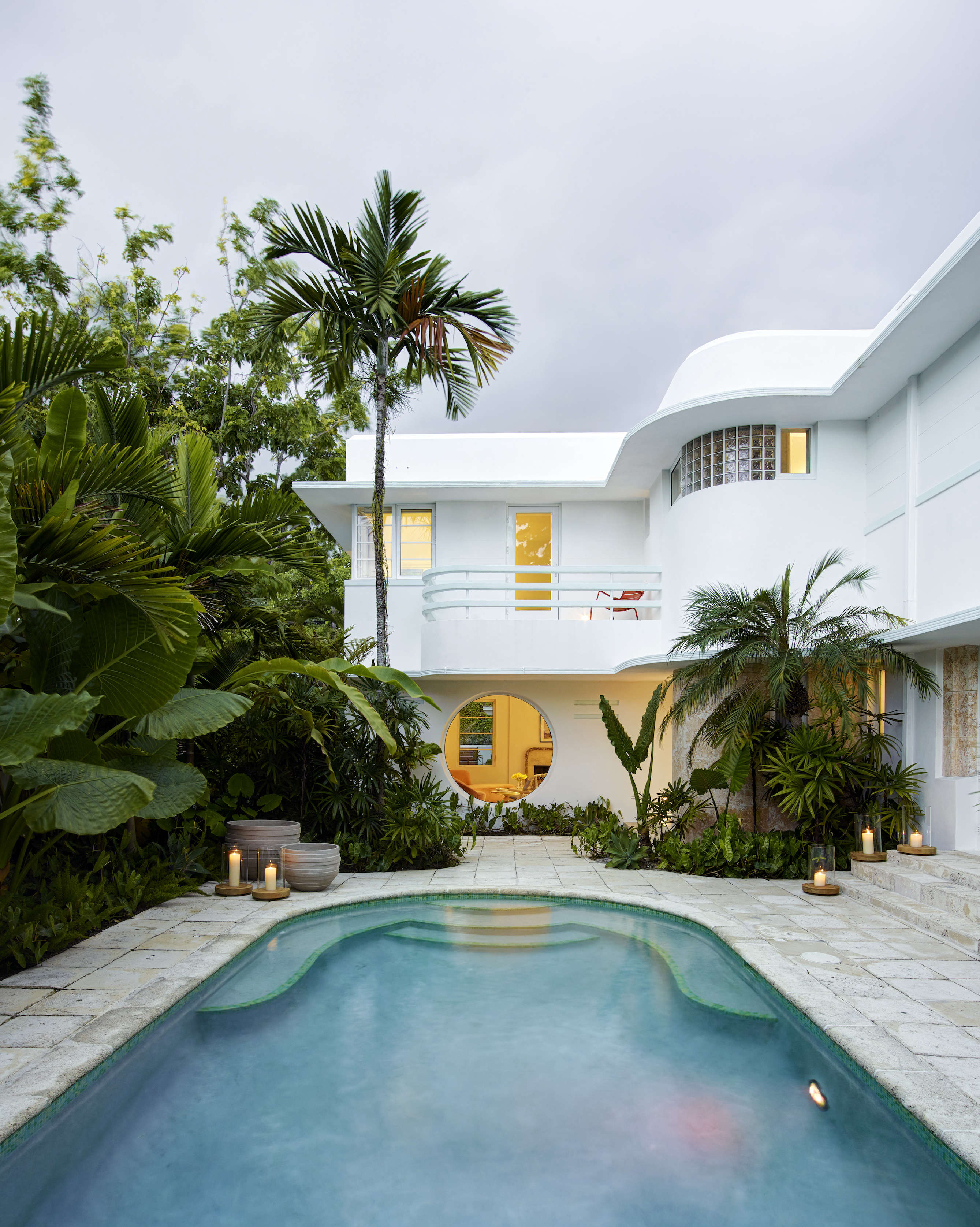 Vintage Above The original Deco detailing extends to the pool unow lushly landscaped