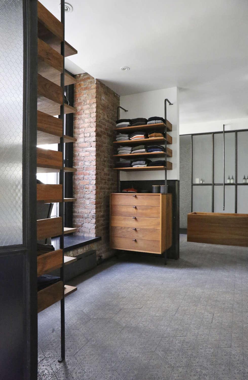 Union-Studio-New-York-Loft-bath-Remodelista