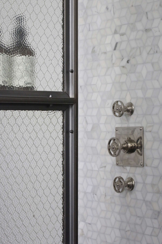 Union-Studio-New-York-Loft-bathroom-detail-Remodelista
