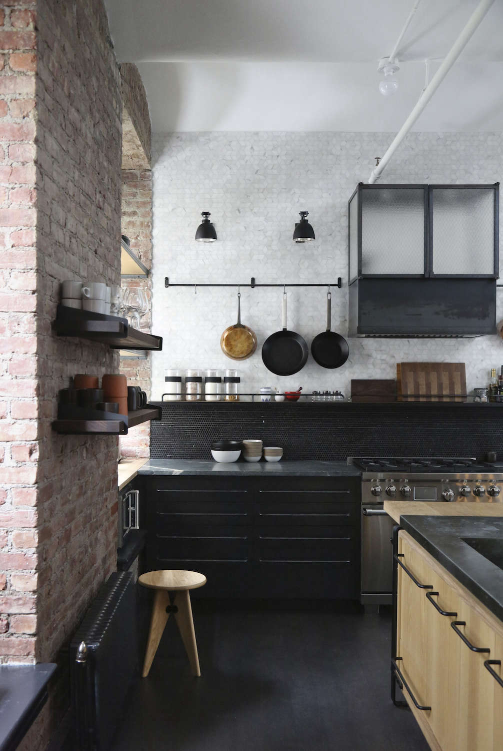 A rugged rustic nyc loft by matt bear of union studio for Loft new york affitto