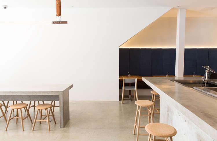 scott-scott-torafuku-eatery-remodelista-9