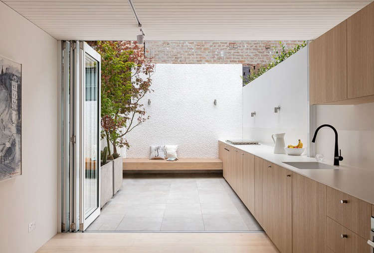 Kitchen of the Week: Indoor-Outdoor Cooking in Sydney - Remodelista