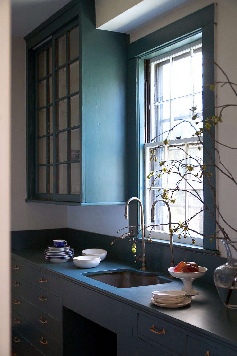 Moody Midnight Pantry With Farrow Amp Ball Paint Remodelista