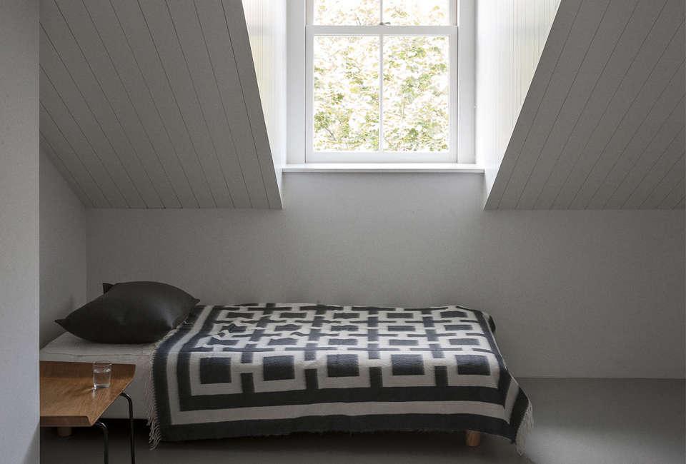 Expert Advice: How to Clean Woolen Blankets, 5 Tips - Remodelista
