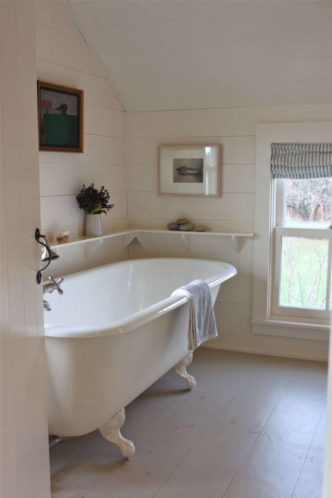 Remodeling 48 Romance In The Bath BuiltIn Vs Freestanding Simple Bathroom Remodel Las Vegas Minimalist