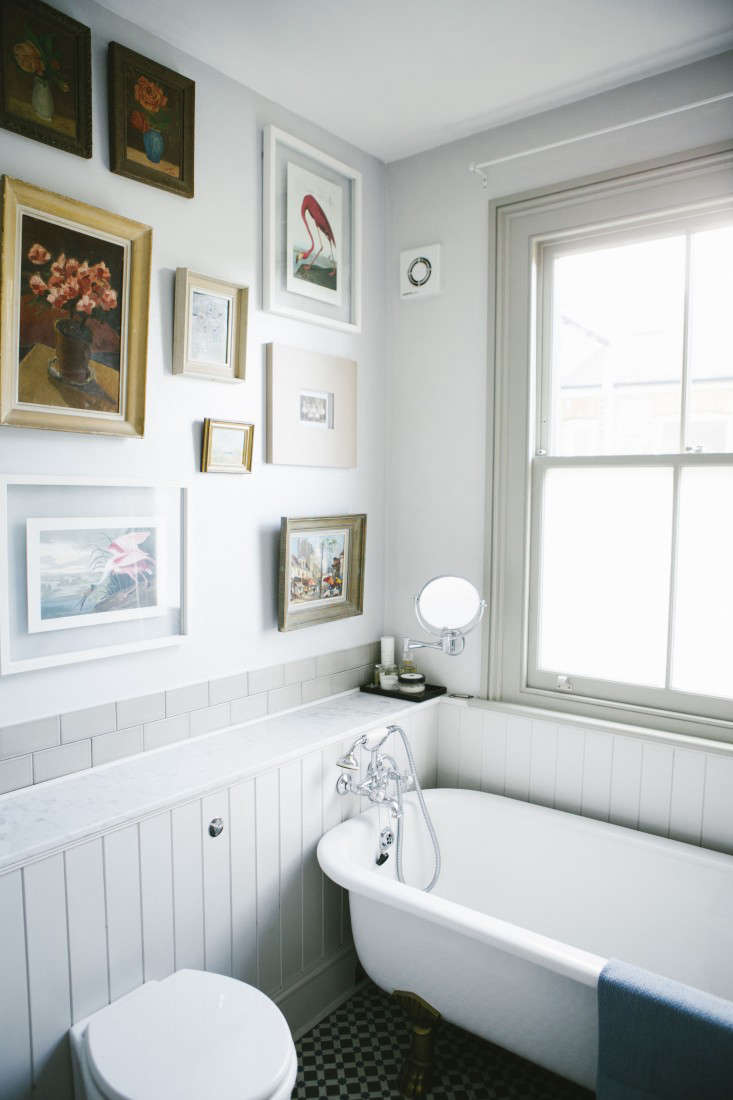 10 Favorites: White Bathrooms from the Remodelista Designer ...