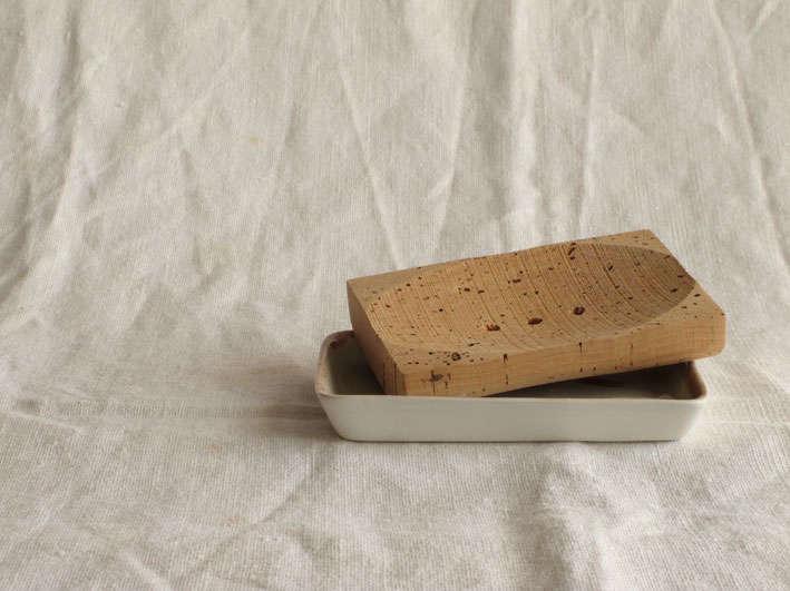 margarita-fernandez-saboneteira-soap-dish-remodelista