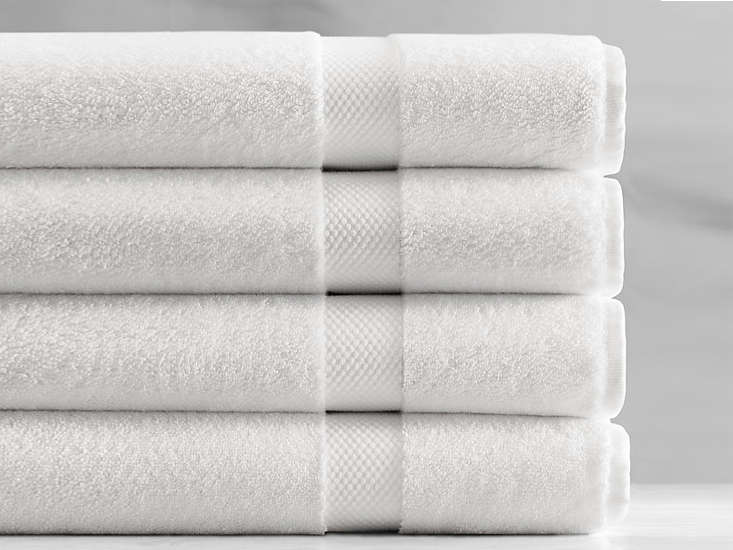10 Easy Pieces Basic White Bath Towels Remodelista