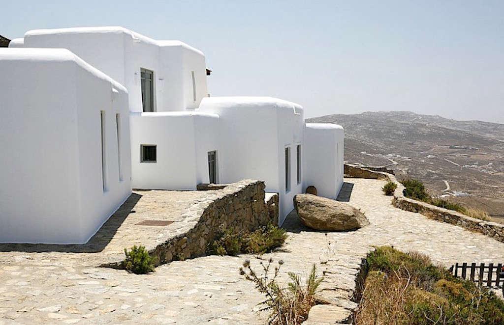 villa-honora-mykonos-greece-remodelista-1