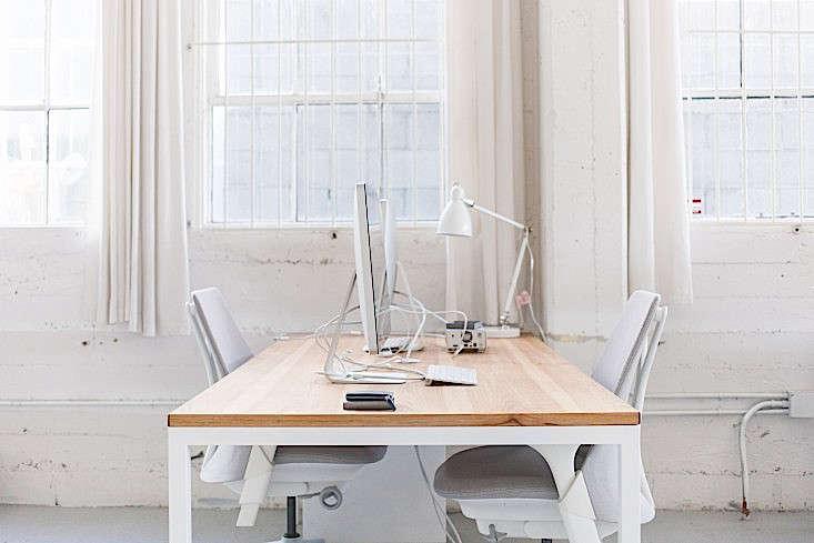 Everlane-Studio-Office-Space-Remodelista-10