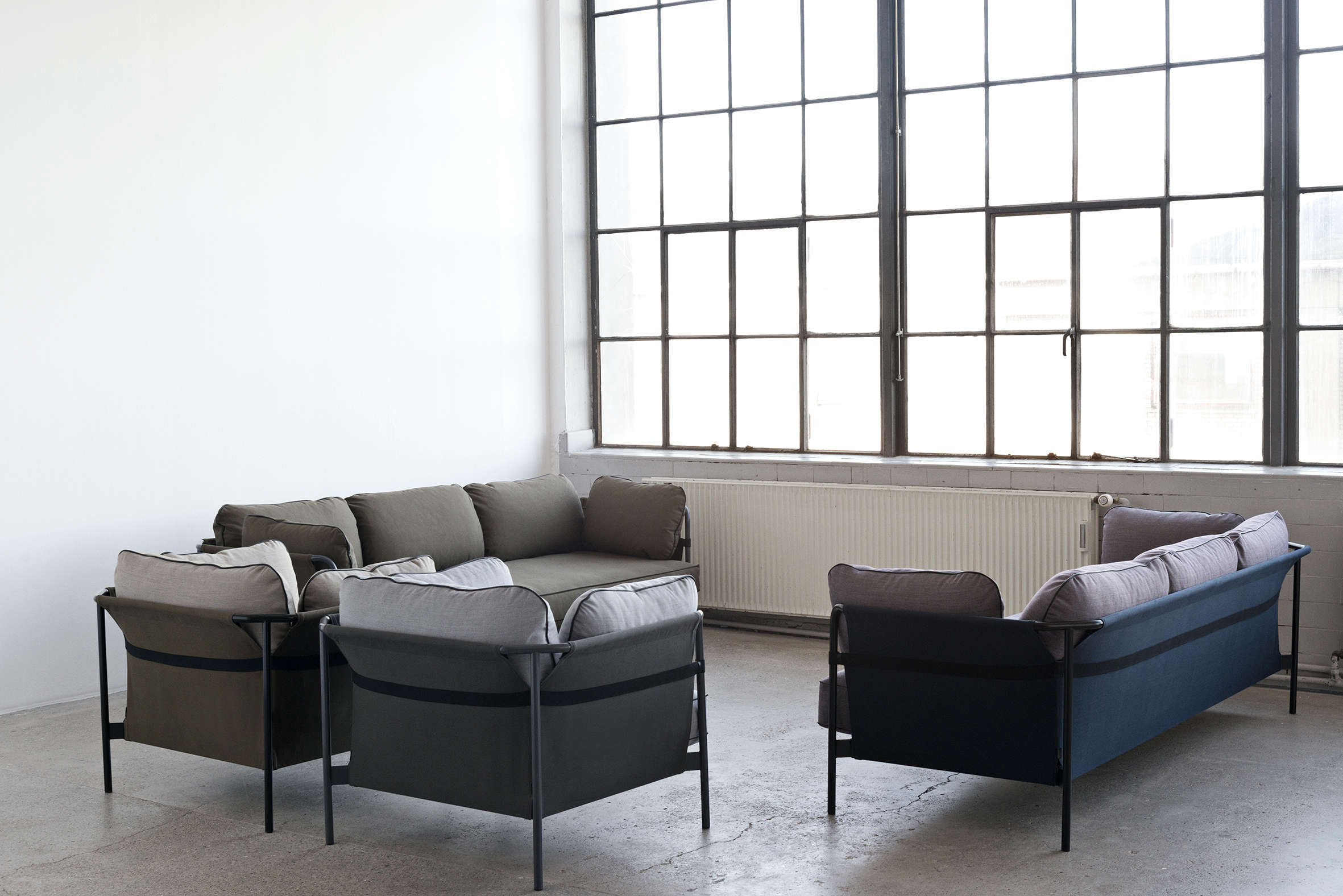 a flat pack sofa designed by the bouroullec brothers. Black Bedroom Furniture Sets. Home Design Ideas