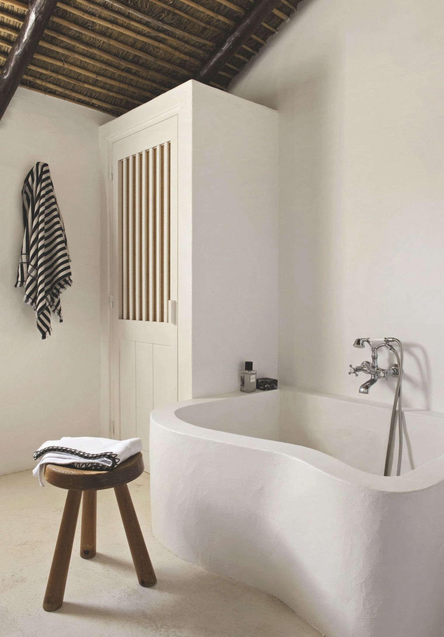 Trend Alert: 13 Sculptural Baths and Showers - Remodelista