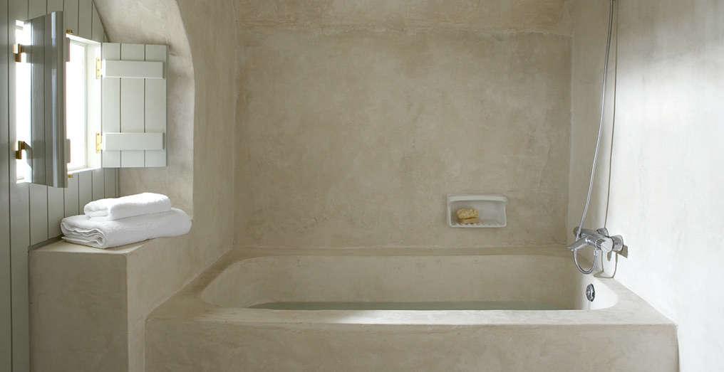 Trend Alert Sculptural Baths And Showers Remodelista - Remodelista bathroom