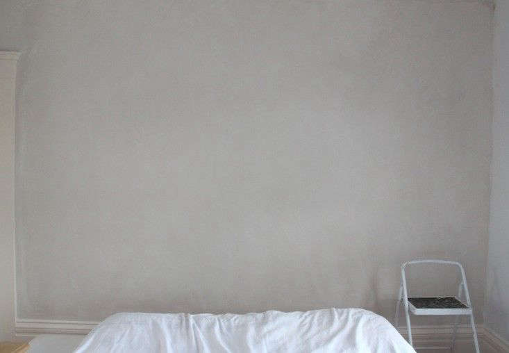 Photograph from DIY Project: Limewashed Walls for Modern Times.