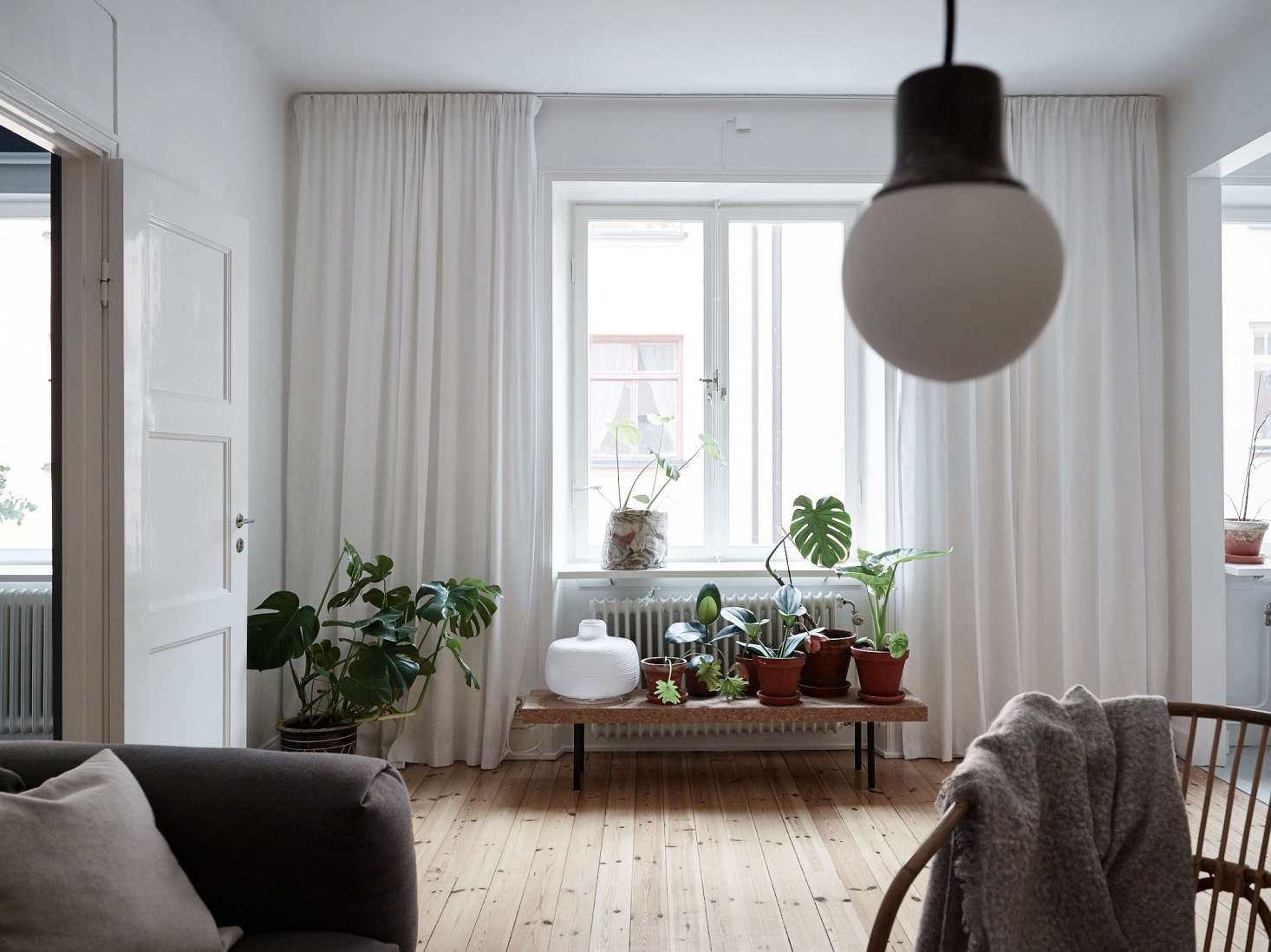 A Summery Flat in Stockholm, with Affordable Small-Space Ideas to Steal