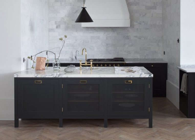 Plain English: Bespoke British Kitchen Design Comes to the ...